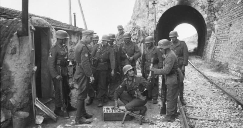 The German WW2 Stielhandgranate 24 transportation and packing